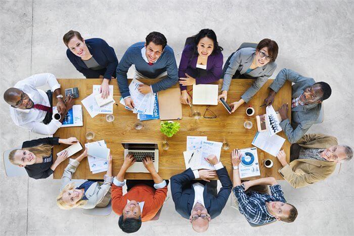 מה עובר לעובדים שלך בראש? הערכת יתר של תרומת העובד לקבוצה