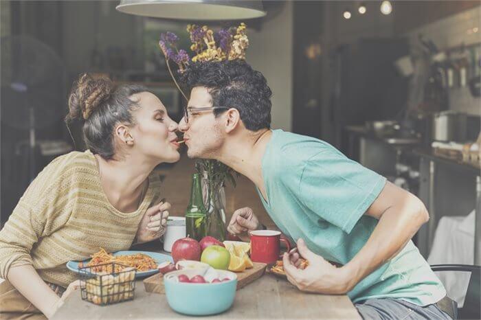 מחיר הזוגיות המאושרת- עלייה במשקל?