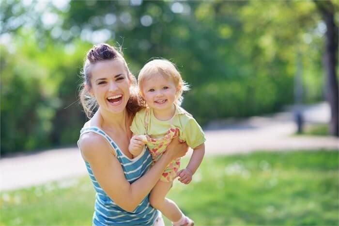 האם חופשת לידה ארוכה באמת חשובה לתינוקך? המחקר משיב