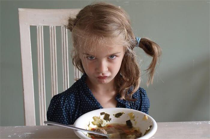 הילד בררן באוכל? טיפים למניעה והתמודדות