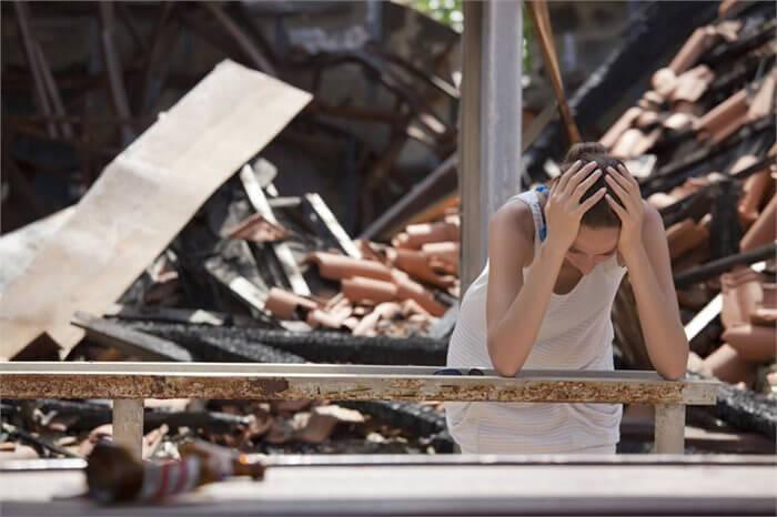 כיצד להתמודד ולסייע לקרובים שאיבדו את בתיהם בשריפה