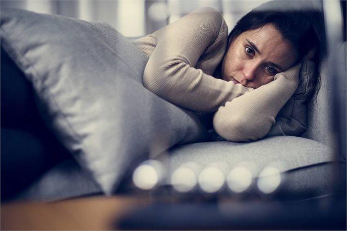 ארבעה גורמים שמונעים ממך להתגבר על הדיכאון