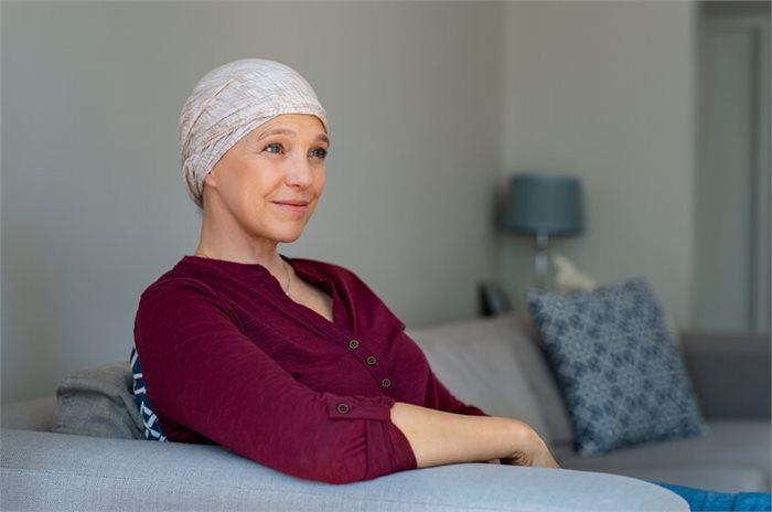 כיצד יכול טיפול פסיכולוגי להקל על היבטים רגשיים של מחלת הסרטן?