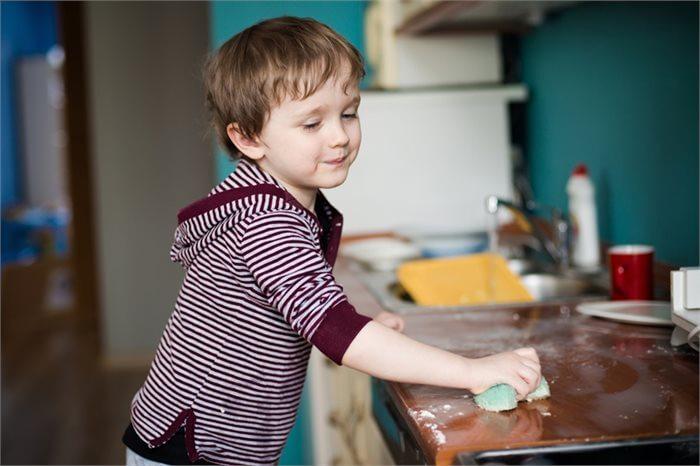 סדר בבלגן: איך גורמים לילדים לעזור בבית?