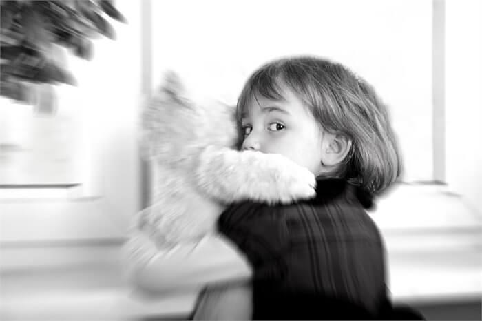 פיתוי מיני בילדות והעברה ארוטית: סיכום מאמרם של רכמן ועמיתיו