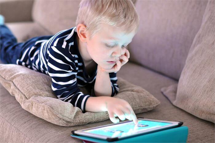 המשימה: הגנה על הילד מפני הטרדות אינטרנטיות. האמצעי: ארוחות משפחתיות