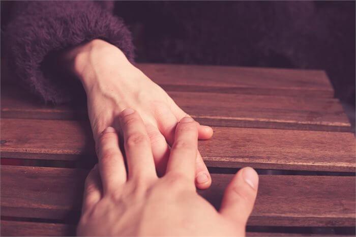 הרהורים מחדר הטיפולים: נגיעה אחת רכה