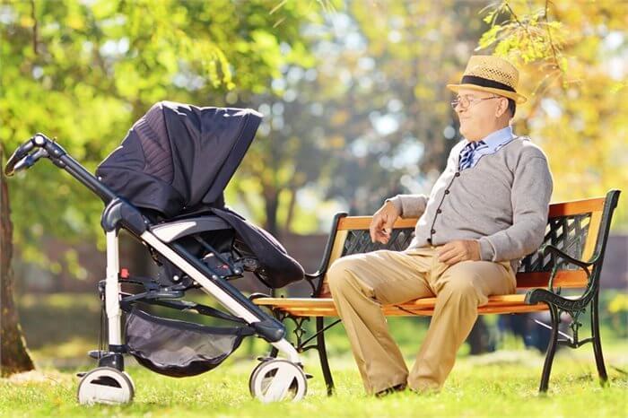 מזל טוב- אתה סבא! משמעות והסתגלות לתפקיד הסבא