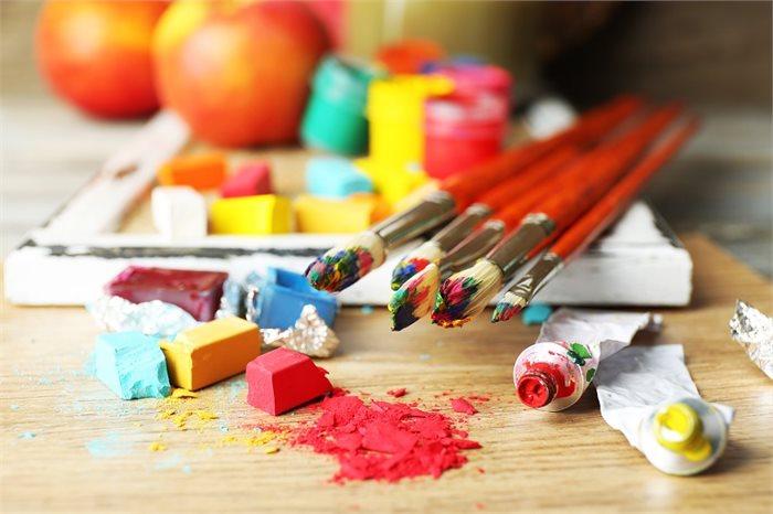 מה זה טיפול באמנויות ואילו סוגי טיפול קיימים?
