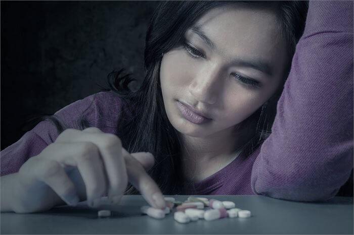 הדיכאון עבר! האם כדאי לי להמשיך לקחת תרופות?