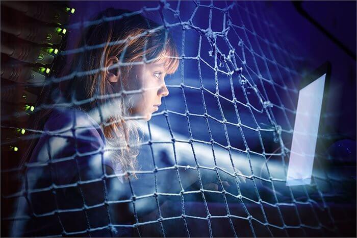 כיצד תגנו על ילדכם מהאלימות באינטרנט?