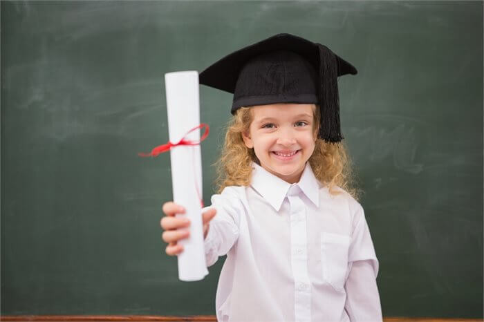 ציון דרך: איך מתייחסים לתעודה של הילד?