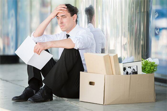 כיצד אבטלה יכולה לשנות את אישיותך?