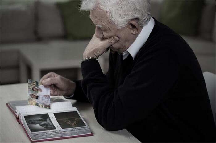 היות האדם לבדו - התמודדות עם התאלמנות