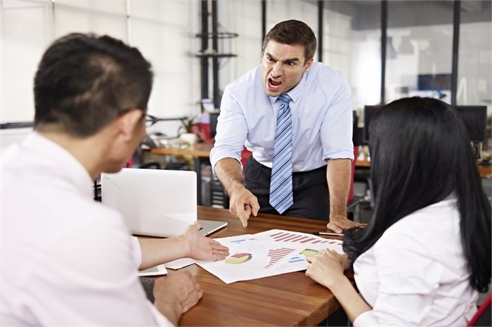 איך תוכלו לשפר את האווירה במשרד?
