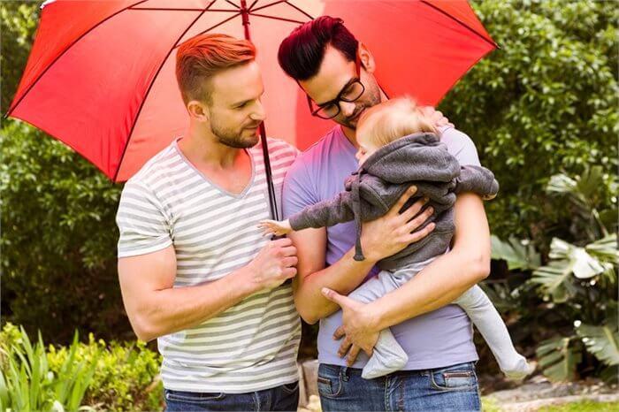 לרגל יום המשפחה: כל מה שרציתם לדעת על הורות חד-מינית