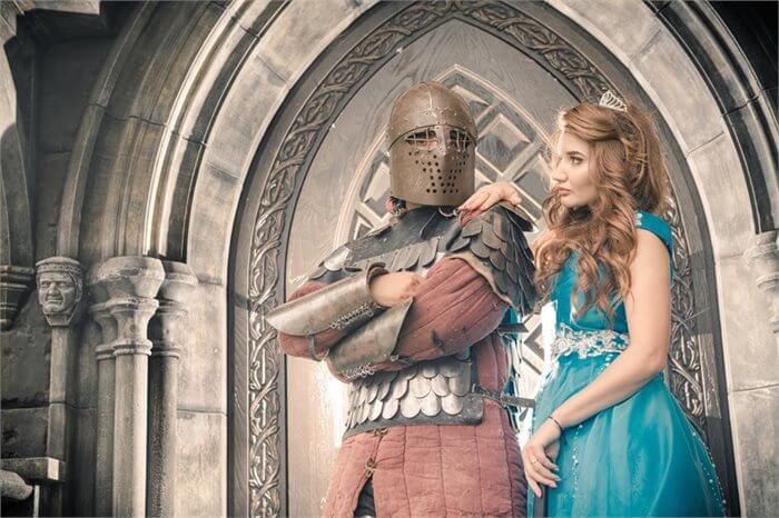 הרהורים מחדר הטיפולים: אביר, נסיכה וליידי