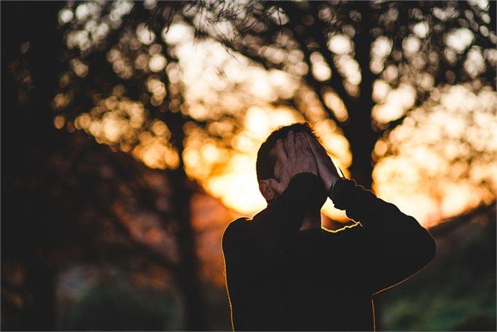 6 דרכים בהן תוכלו לסייע לסובלים מפוסט טראומה