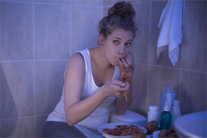 הפרעות אכילה בגיל ההתבגרות – זיהוי, מניעה וטיפול