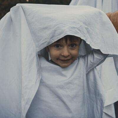 רוחות רפאים בחדר הילדים: על תהליכים של העברה בין-דורית