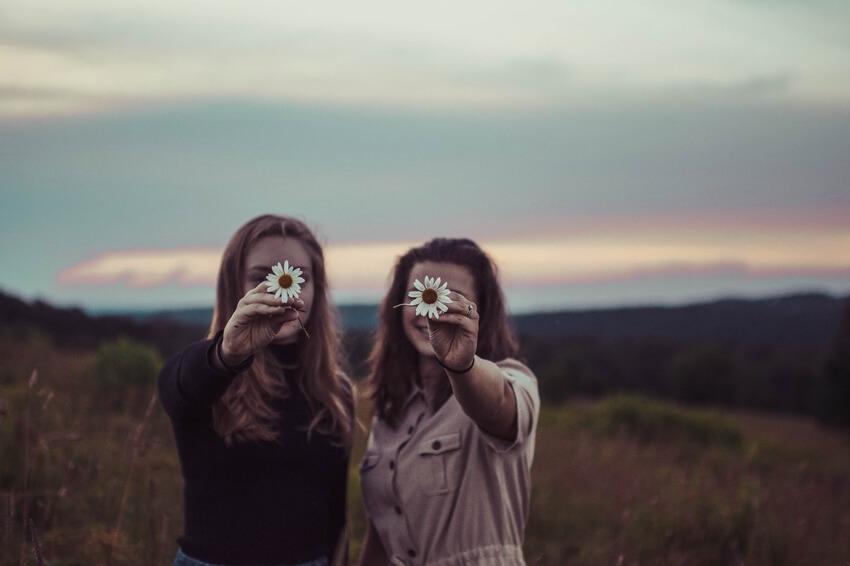 מי בא אחרַי? יחסי העברה אחאיים בפסיכותרפיה פסיכואנליטית